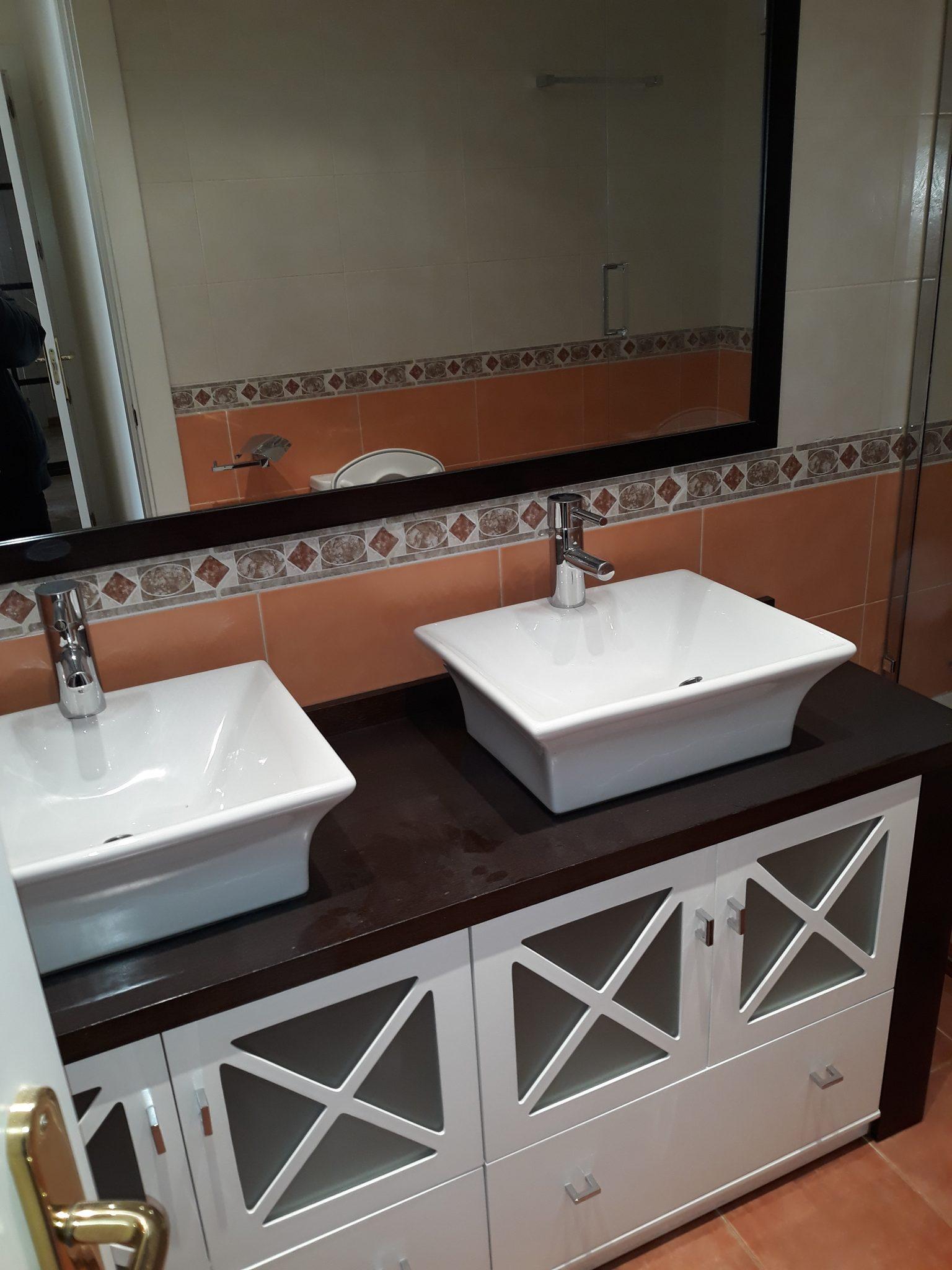 Foto de baño para vivienda nueva